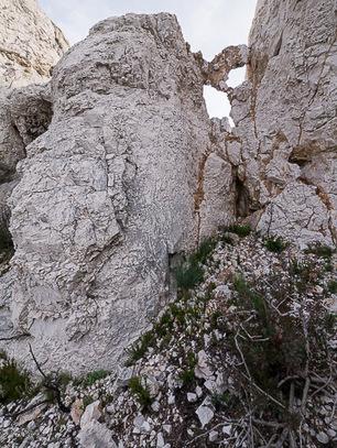 Traversée des Arches des Cailles, depuis Callelongue - Sentiers de ... | Parc National des Calanques, actualites et WEB TV du parc | Scoop.it