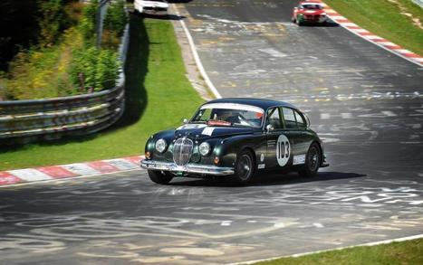 Jaguar-Heritage-Racing-Mk2-2.jpg (1024x642 pixels)   Jaguar Mk2 - Space, Grace, and Pace!   Scoop.it