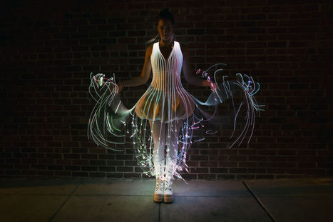 An Incredible Glowing Dress That Is Covered in Fiber Optic Filaments | [THE COOL STUFF] | Scoop.it