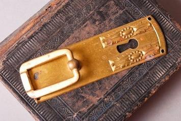Vintage Art Nouveau style key hole escutcheon with drawer pull handles. | Antiques & Vintage Collectibles | Scoop.it