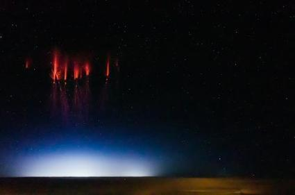 UFO Sightings: Is it a bird, a plane, a UFO? It's a...red sprite   Space, the Solar-System and Beyond   Scoop.it