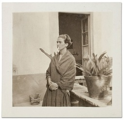 Frida Kahlo and her Casa Azul home – a lifetime in pictures | Ciné Schneider | Scoop.it