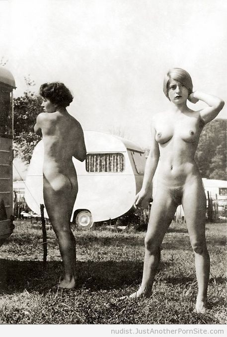 Vintage Nudist Girls Around the Campsite (1) | Nudist Living | vintage nudes | Scoop.it