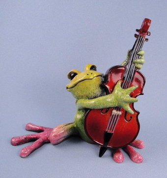 Kitty's Critters Frog Leon Bass Player Sculpture | Vintage Passion | Scoop.it