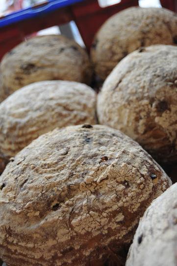 Recette des petits pains aux olives - cuisine Hanouka   Petits déjeuners et pains de la rue, dans le monde   Scoop.it