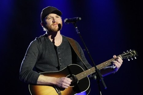 Eric Paslay Sings Somber 'She Don't Love You' in Beautiful Music Video | Country Music Today | Scoop.it