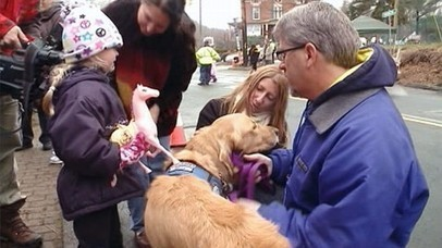 """Dogs Put Smiles on Faces of Sandy Hook School Students 
