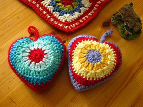 Bunny Mummy: Simple Sunburst Crochet Heart Tutorial | Free Crochet Patterns | Scoop.it
