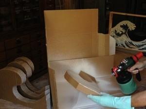 Tests : peinture au pistolet sur carton et bois de palettes | Jisseo :: Imagineering & Making | Scoop.it