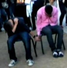 Polémica en Arizona: dos adolescentes castigados a cogerse de la mano delante de sus compañeros | Revista Mundo Joven LGBT | Scoop.it