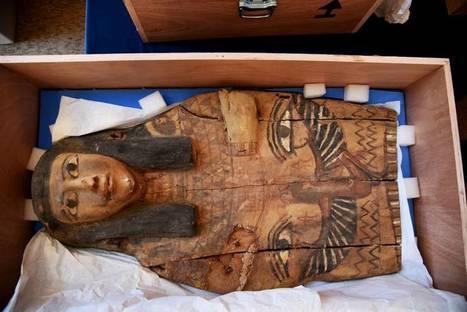 Israel returns to Egypt smuggled sarcophagus lids | Kiosque du monde : Afrique | Scoop.it