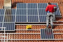 Le rinnovabili ormai adulte nello scontro con le fossili al tempo della crisi | Green | Scoop.it