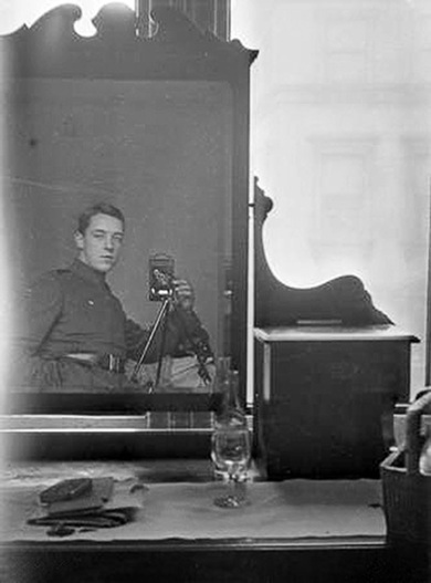 Mirror Self Portraits from the Early Days of Photography | xposing world of Photography & Design | Scoop.it