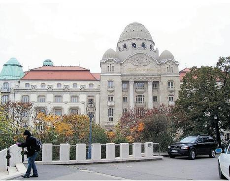 Soak up Budapest's thermal waters - Regina Leader-Post | Massage therapy | Scoop.it