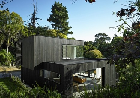 Blending With The Landscape: The Waiatarua House in New Zealand | sustainable architecture | Scoop.it