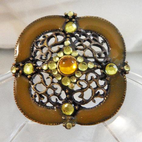 Vintage Green Enamel Rhinestone Brooch.  Green Enamel and Yellow Rhinestone Pin.   I Love Vintage Jewelry   Scoop.it
