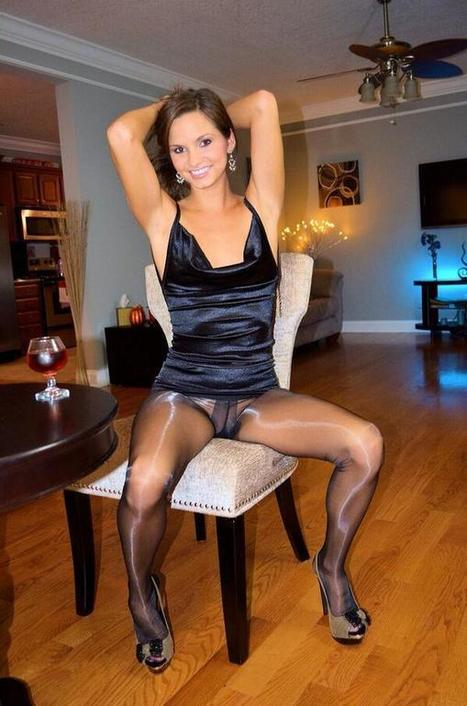 Twitter / bengihose: Words fail me #pantyhose #tights ... | Shiny Pantyhose | Scoop.it
