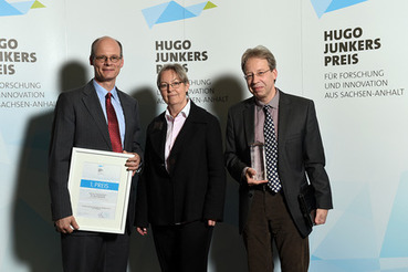 "MLU-Team ""VEROVACCiNES"" holt 1. Platz beim Hugo-Junkers-Preis 