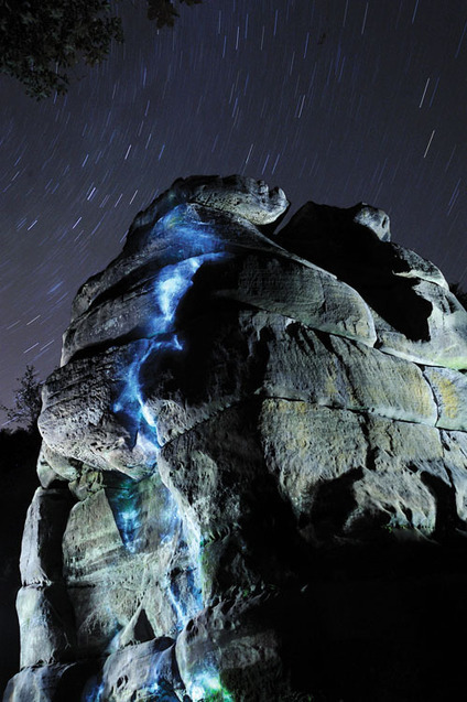 Long Exposure Photos of Rock Faces Lit by Flashlights, the Moon, and the Stars - PetaPixel | It should have been me to take that photography | Scoop.it