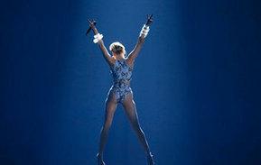 Miley Cyrus De menina da Disney a Sex symbol - Visao.pt | BESTADULTCHANNEL.COM | Scoop.it