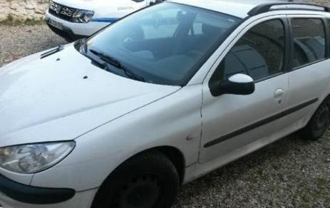 La ville d'Etiolles vend une voiture aux enchères | Revue de presse | Scoop.it