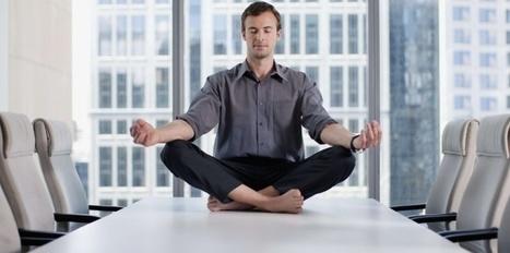 8 secrets de yogi pour lutter contre le coup de pompe au bureau - Challenges.fr | Tout sur le Yoga | Scoop.it