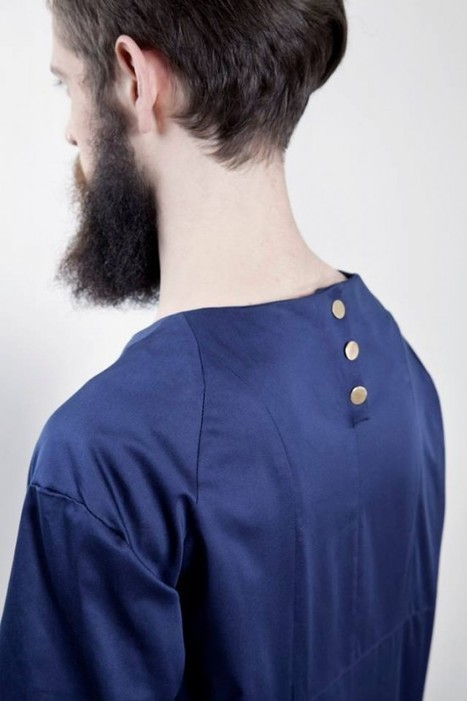 Dutch Fashion Designer Creates Clothing Line That Prevents Slouching | Strange days indeed... | Scoop.it