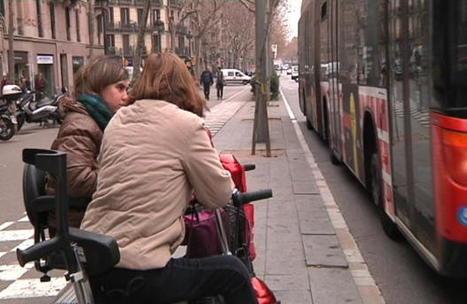 Les cadires de rodes motoritzades volen garantir que poden pujar al bus-BTVNOTÍCIES.cat   En torno a la silla   Scoop.it