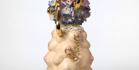 10 Gorgeously Grotesque Sculptures That Prove Being A Girl Can Get Nasty | Strange days indeed... | Scoop.it
