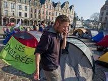 Après Wall Street et avant Bapaume, les Indignés ont planté leurs tentes sur les pavés de la Grand-Place - Actualité Arras - La Voix du Nord | Indigné(e)s de Dunkerque | Scoop.it