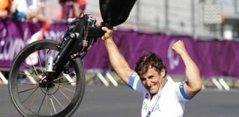 Após perder as pernas no automobilismo, Zanardi ganha ouro no ciclismo na Paraolimpíada | esportes | Scoop.it