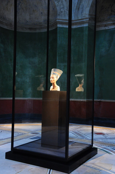 Nefertiti: (Egyptian Museum Berlin) | Dos reinas poderosas de Egipto -Cleopatra vs. Nefertiti- | Scoop.it
