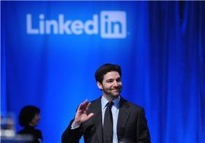 LinkedIn Earnings Soar But Revenue Outlook Short - Investor's Business Daily | slink | Scoop.it