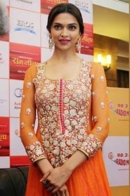 Deepika Padukone Orange Anarkali Suit At Promotes Ramleela - giftadi | Gifting Zone | Scoop.it