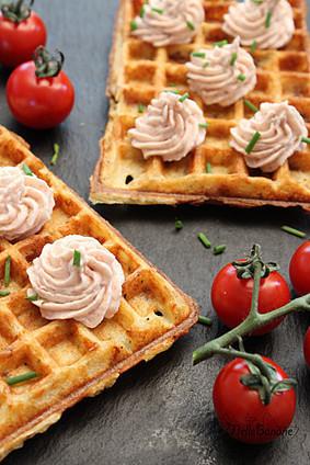 Gaufre au poulet et chantilly bacon   Salé - plats   Scoop.it