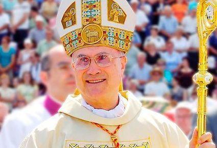 Cardenal Bertone cesa como Secretario de Estado Vaticano | El Papa jesuita | Scoop.it