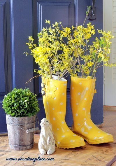 Repurposed Flower Planter Using Old Boots | DIY Craft Ideas For The Home | Scoop.it