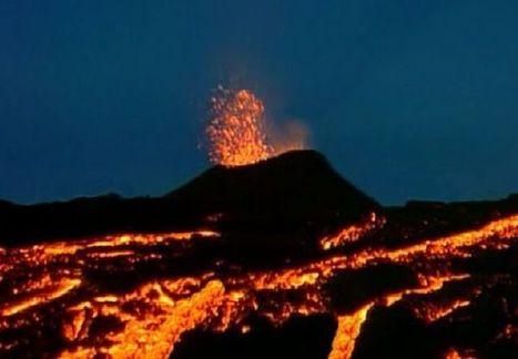 Le volcan, enfer blanc et diables noirs | Reunion Island 7 Lames la Mer | Scoop.it