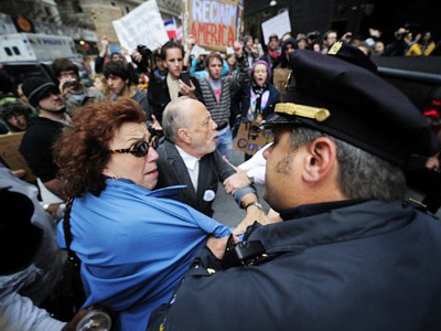 Occupy Wall St. offensive: hundreds arrested, thousands join in — RT | #ows | Scoop.it