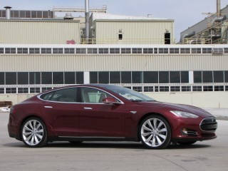 Tesla Model S Service Contract: $600/Year, Or Warranty Voided | Amazing Autos | Scoop.it