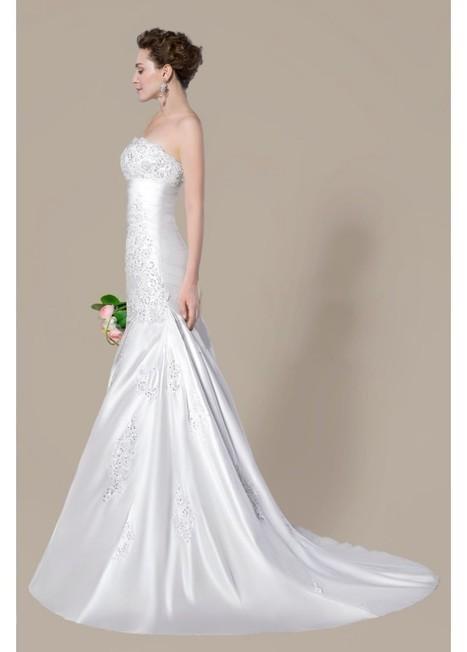 Glamorous Beading Applique Court Train Trumpet/Mermaid Wedding Dress | Fashion Dresses | Scoop.it