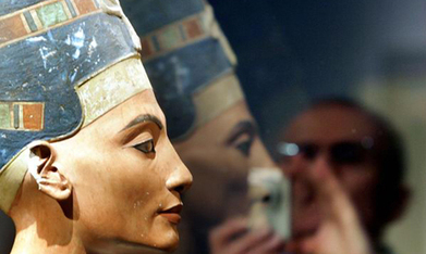 100-year battle for the iconic Egytian bust of Nefertiti - Ancient Egypt - Heritage - Ahram Online | ancient world history cluster | Scoop.it
