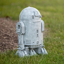 Star Wars R2-D2 Lawn Ornament - Exclusive   Blingy Fripperies, Shopping, Personal Stuffs, & Wish List   Scoop.it