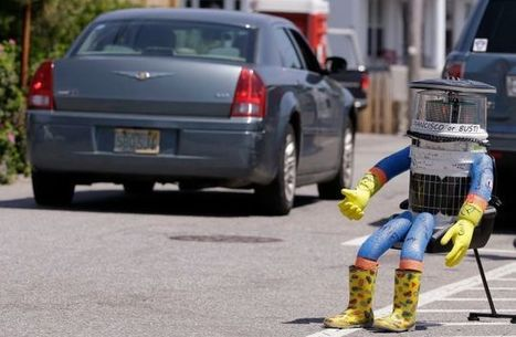 Hitchhiking robot lasts just two weeks in US because humans are terrible | INTRODUCTION TO THE SOCIAL SCIENCES DIGITAL TEXTBOOK(PSYCHOLOGY-ECONOMICS-SOCIOLOGY):MIKE BUSARELLO | Scoop.it