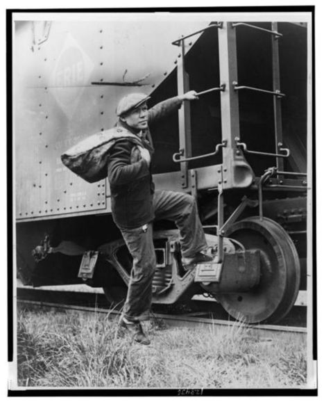 Freighthopping Hobos: Transportation for Gentlemen of the Rails | Urban Ghosts | | The Hobo Codes - Modern Marks of Legend | Scoop.it