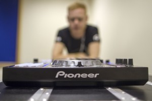 BPM 2012: Pioneer DDJ-SX hands on - DJWORX | DJing | Scoop.it