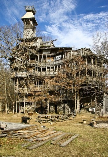 World's Tallest Treehouse Puts Swiss Family Robinson to Shame | e-Expeditions | e-Expeditions News | Scoop.it