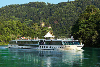 Spring Special: Deluxe Danube Cruise & Prague - Land & Cruise Only - smarTours | smarTours | Scoop.it