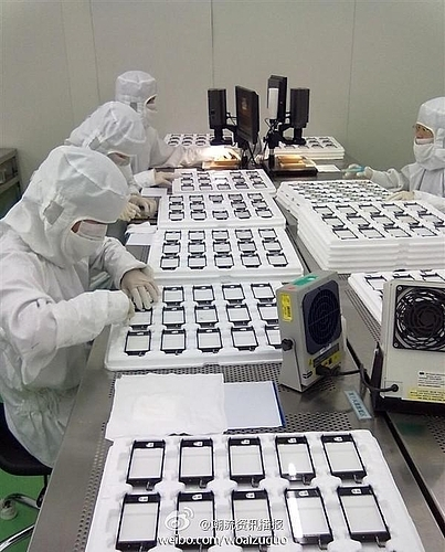 Are These iPhone 5 Screens Being Produced Over At Wintek? [PHOTOS] | Redmond Pie | iOS development | Scoop.it