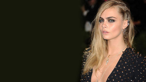 26 Long Hairstyle Ideas, Starring Cara Delevigne Side Braid and and Selena Gomez Bedhead | Beauty | Scoop.it